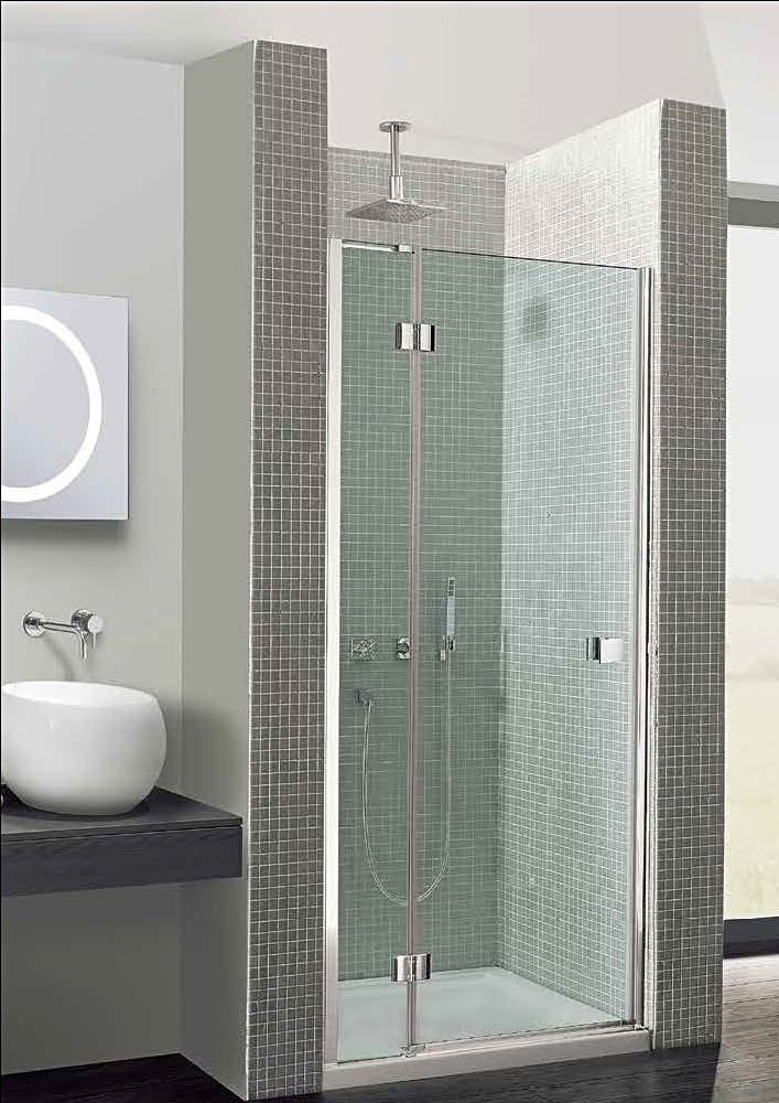Glass shower doors with curved bottom confirm